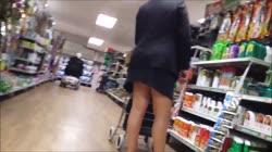 sexy shopping legs